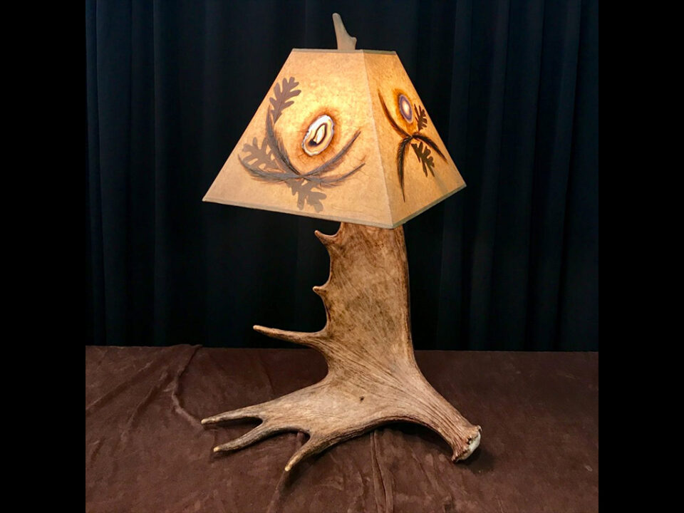 Real Moose Antler Table Lamp with Agate Lamp Shade